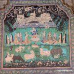 chitrashala-krishna-lifting-govardhan-parvat
